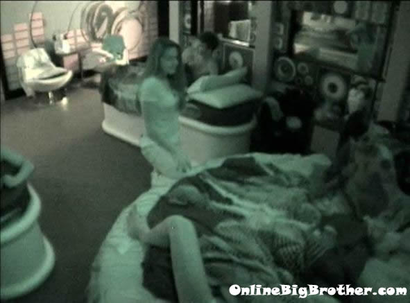 Big-Brother-14-live-feeds-august-10-1232am