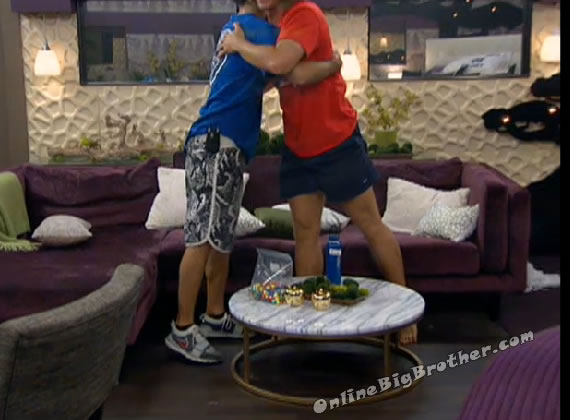 hugs-BB14