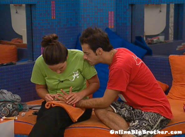 Big-Brother-14-live-feeds-september-11-2012-110am