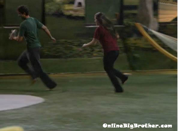 Big-Brother-14-live-feeds-september-2-1213am