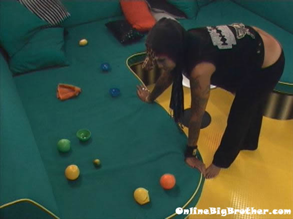Big-Brother-14-live-feeds-august-25-240am