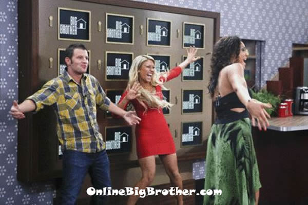 Big-Brother-15-cast-enter-the-bb-house-4