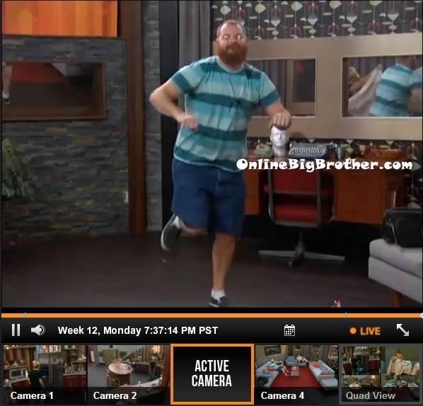 Big-Brother-15-live-feeds-september-16-2013-737pm