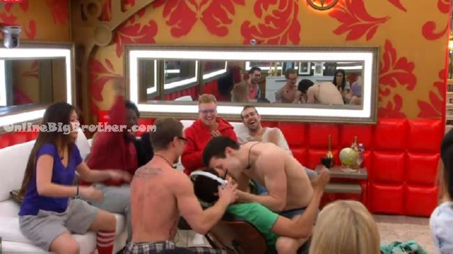 Big-Brother-Canada-3- 2015-03-30 20-59-22-106