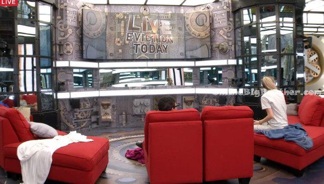 Big-Brother-Canada-3-2015-04-15 07-28-45-005