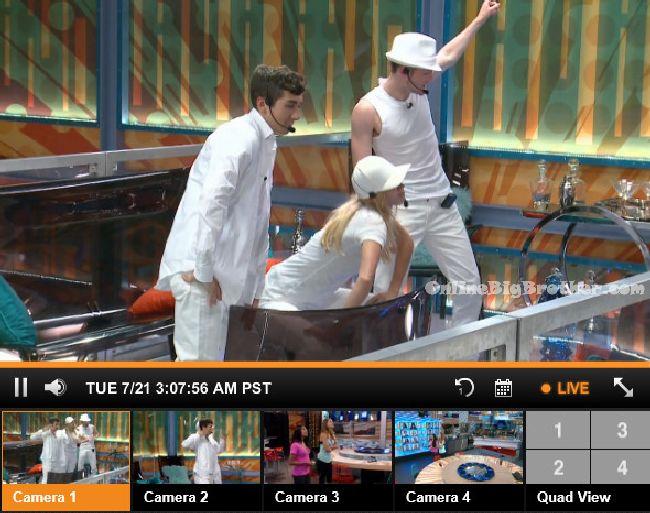 Big-Brother-17- 2015-07-21 03-08-52-105